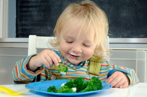 Baby-Food-Child-Eating-Vegetable