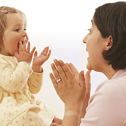 Bayi Baca Bibir Saat Belajar Bicara