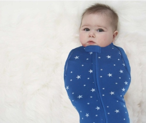 Mengatasi Bayi Yang Tak Suka Dibedong